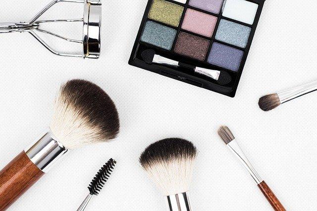 Deze cosmetica producten moet je zeker in huis hebben